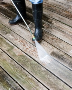 The Benefits of Power Washing Vinyl Siding & Decks